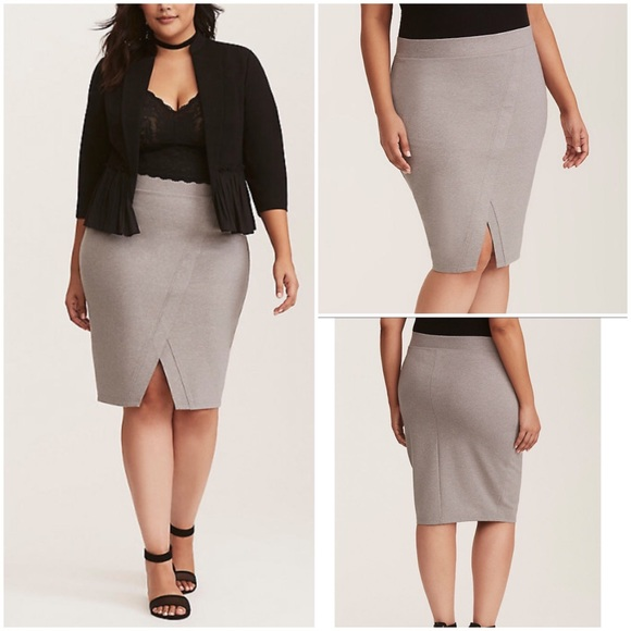3ab6ea0b901  NEW  TORRID Ponte Pencil Skirt